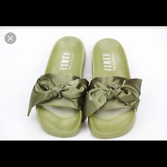 big sale 9d752 0ef94 Worn Once Fenty Puma Olive Green Bow Slide 7.5